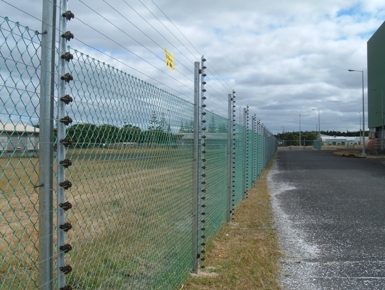 DOMESTIC POWER FENCING